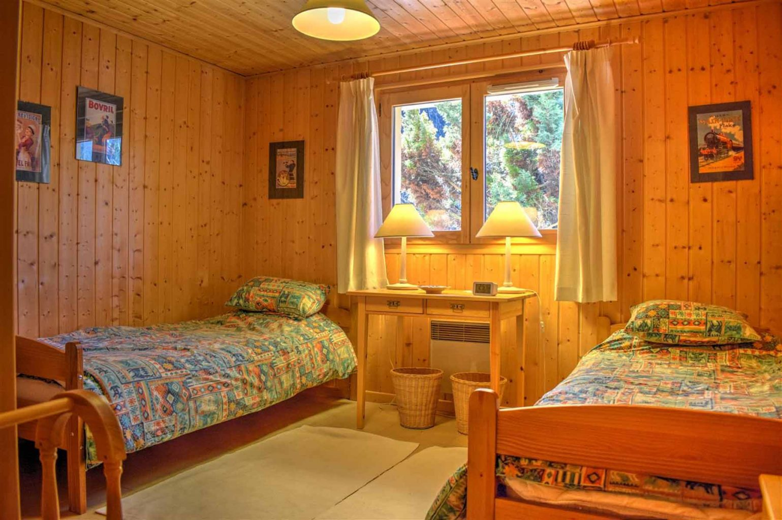 L'Ele Baud Chalet Twin Bedroom