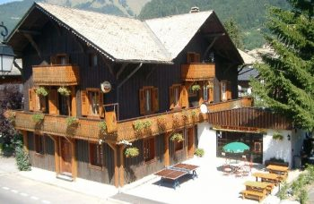 Hotel Sherpa in summer