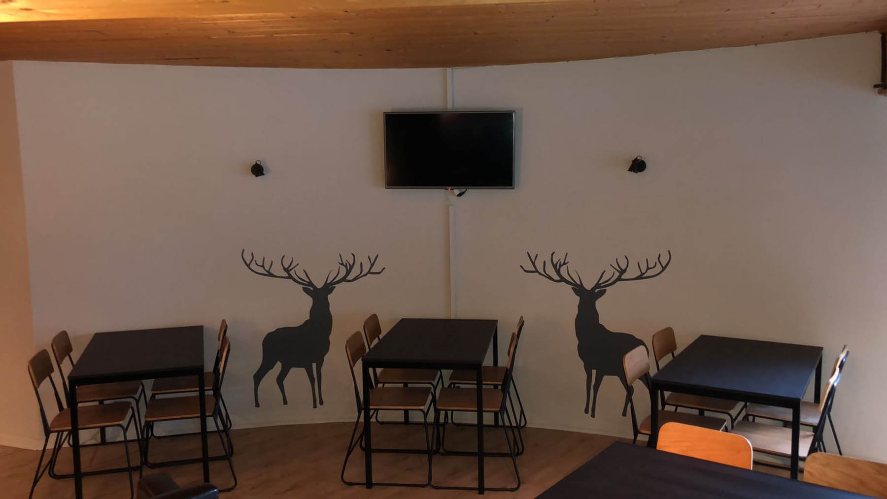 Renardiere Hotel Dining Area