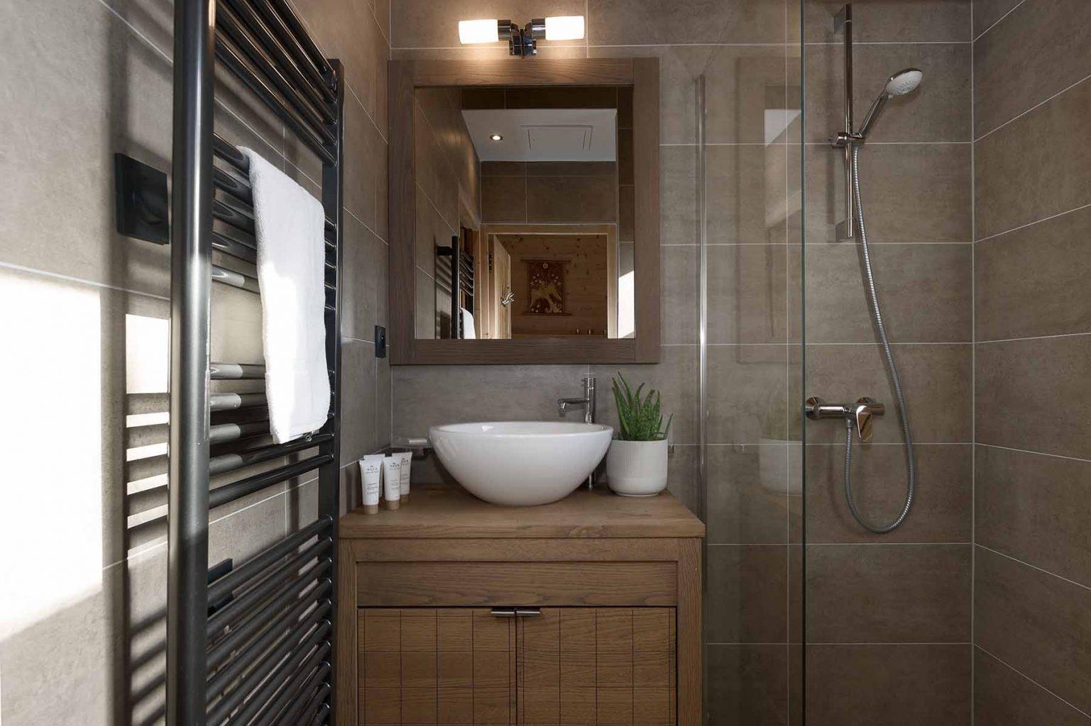 Kili 5A Shower Room
