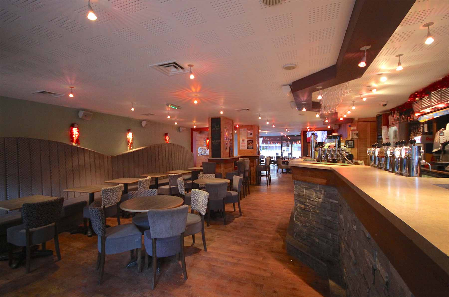 Rhodos Hotel Bar & Restaurant