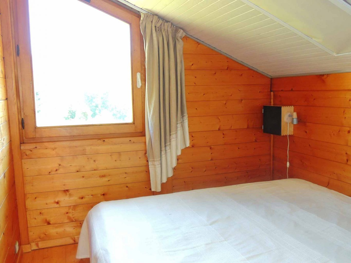 Perrier Chalet Bedroom