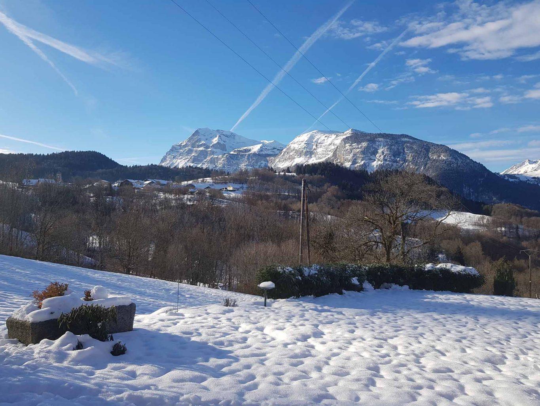 Chalet Vanchouke view in winter