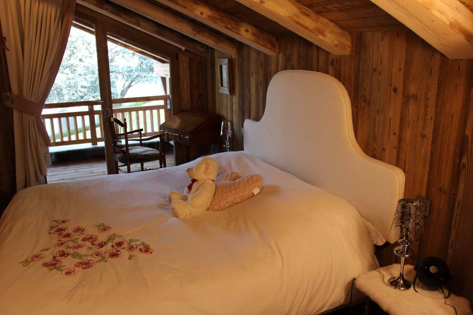 Chalet Vanchouke Double Bedroom