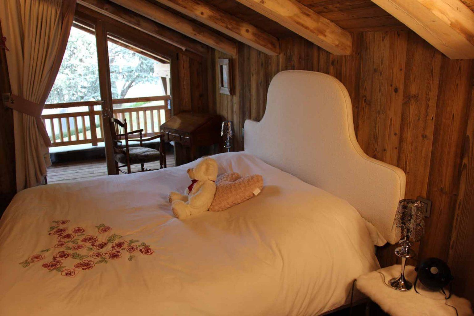Chalet Vanchouke Double Bedroom