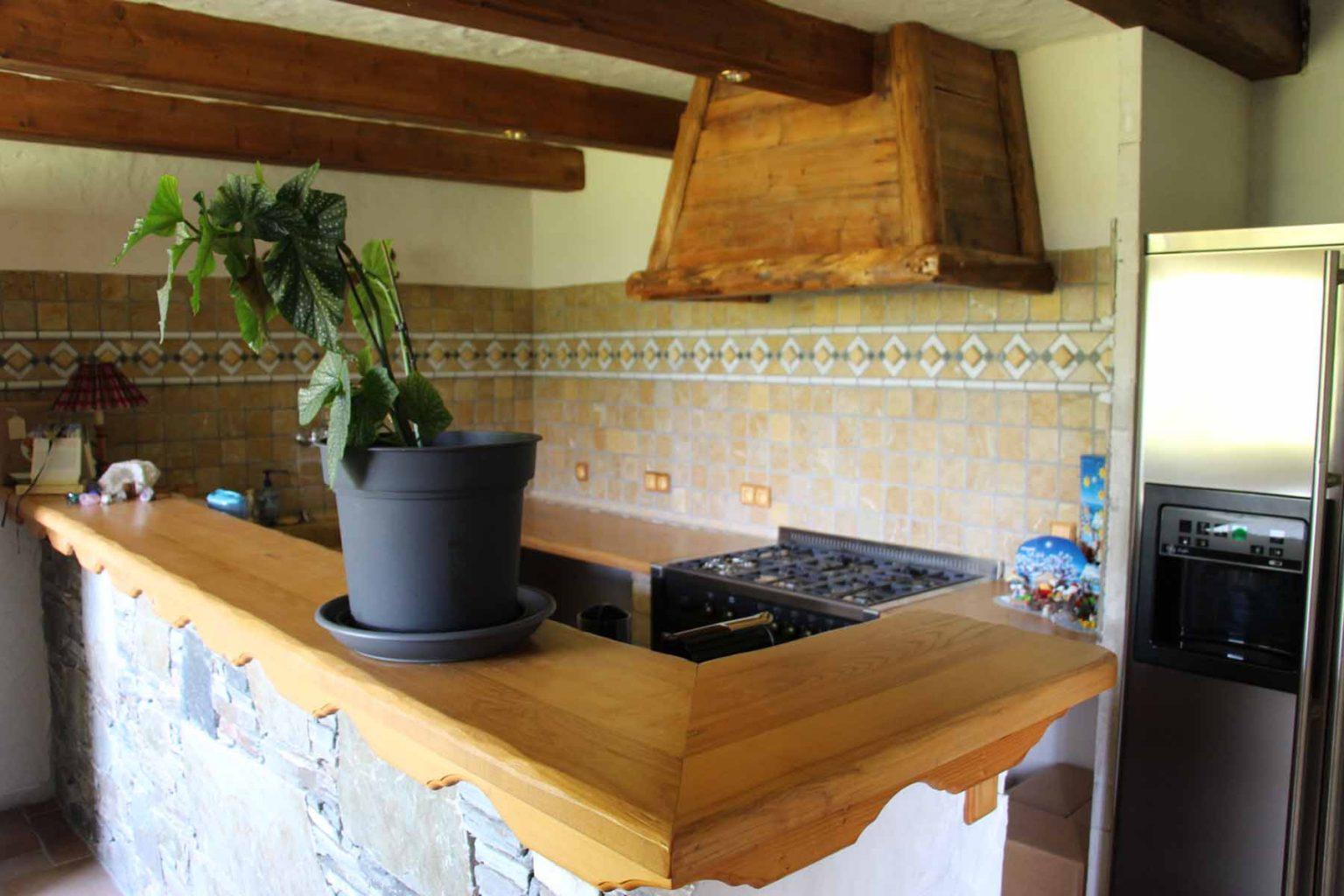 Chalet Vanchouke Appt Kitchen