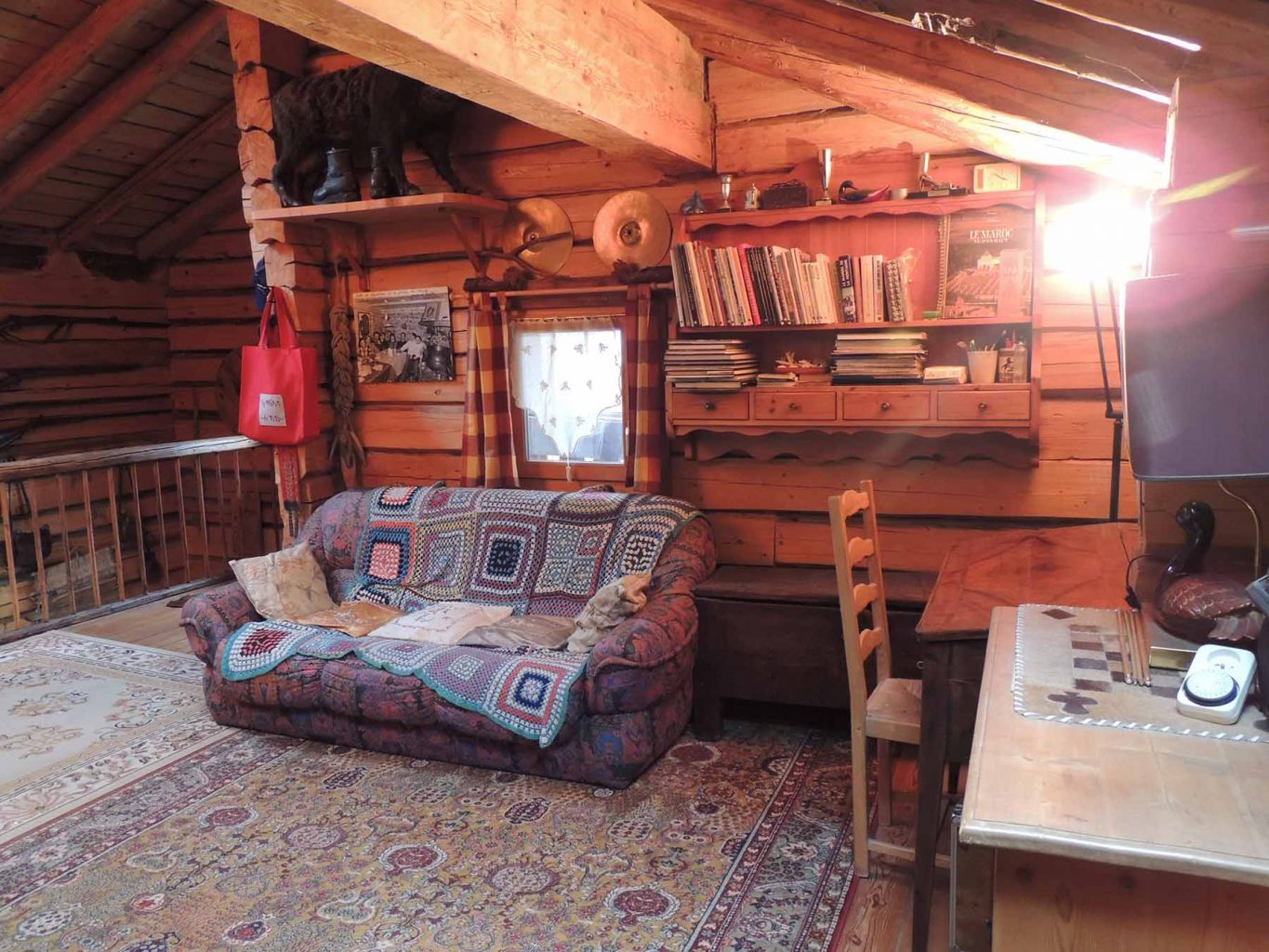Russian Chalet Lounge