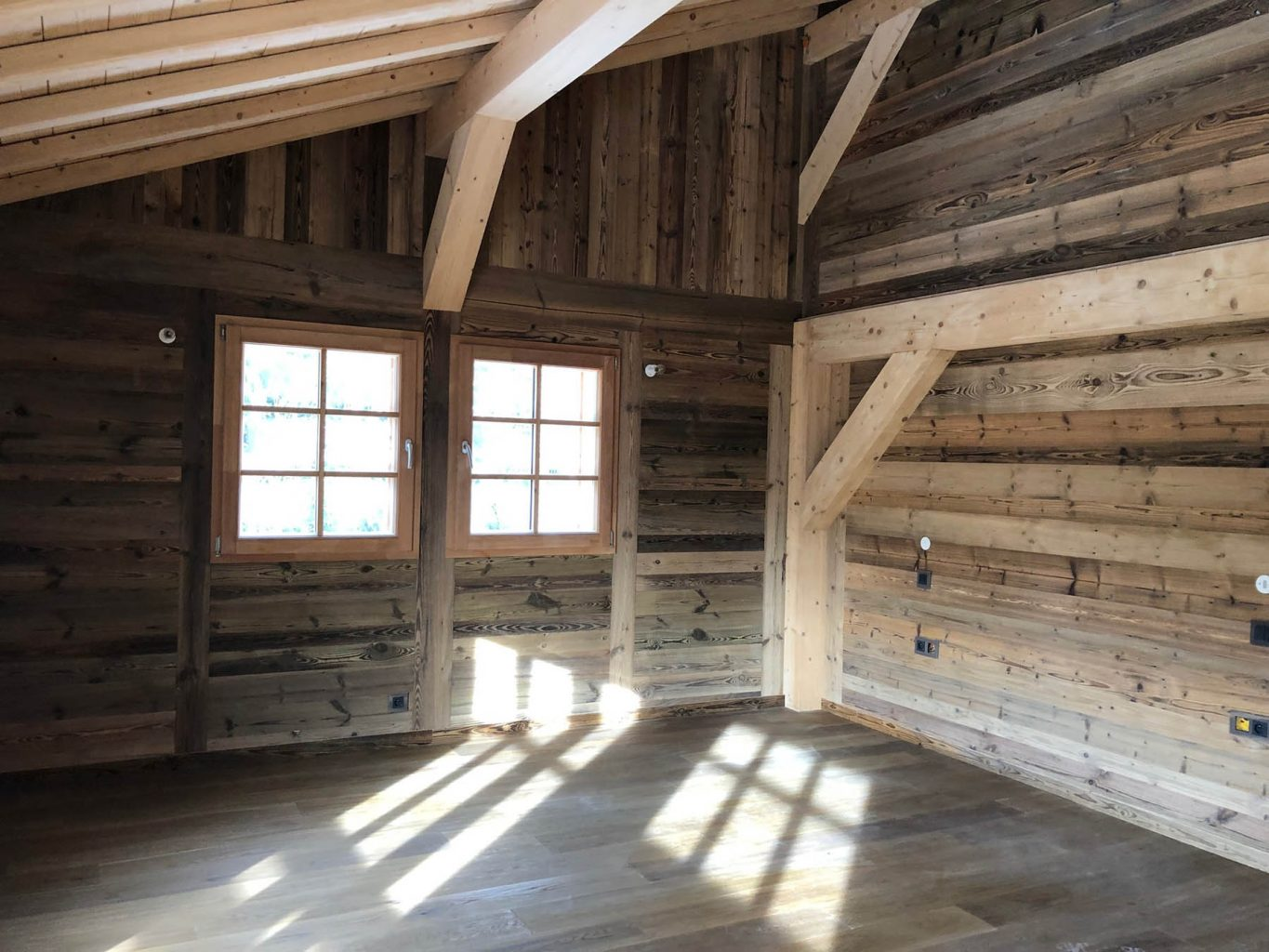 Chalet du Roi example interior wood