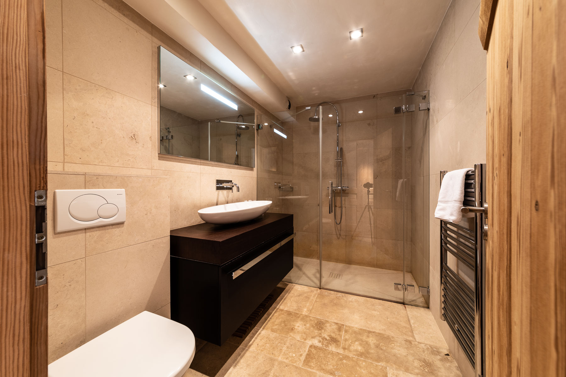 Omaroo 2 Shower Room