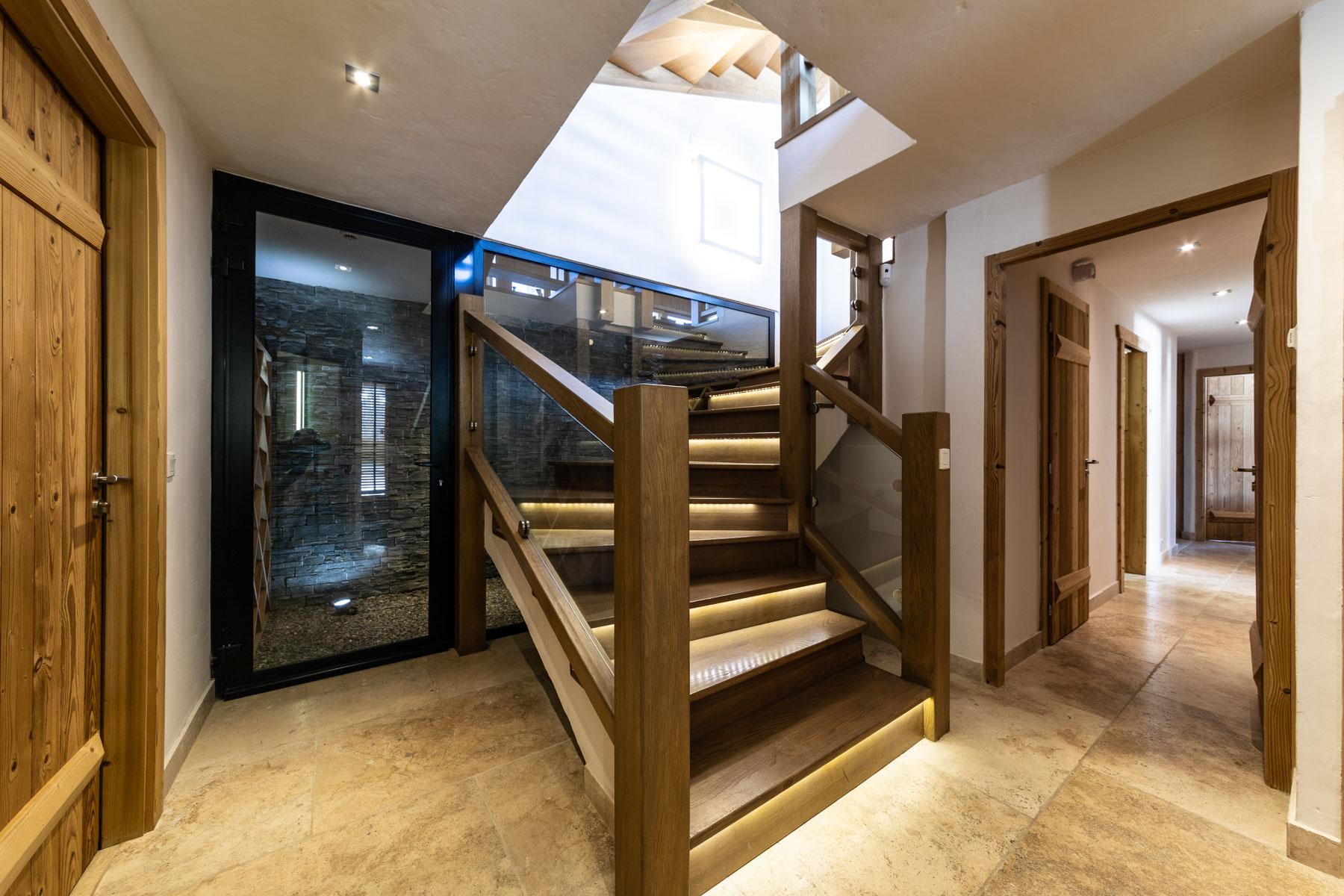 Omaroo 1 Stairs