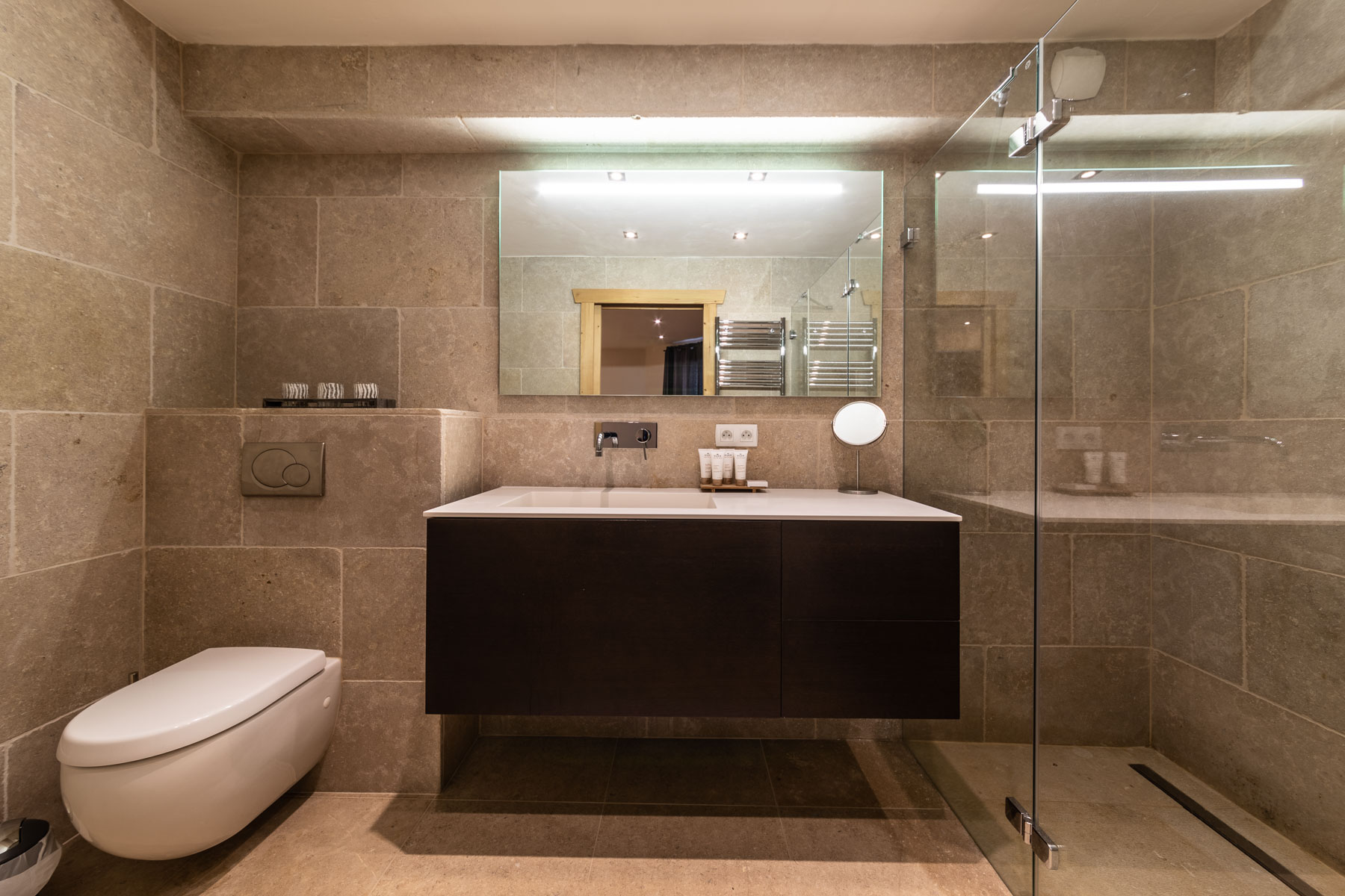 Omaroo 1 Shower Room
