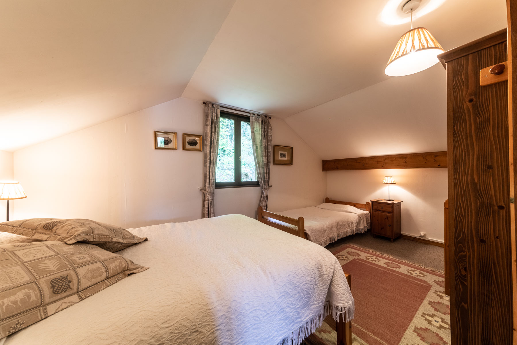 Cerise Family Suite