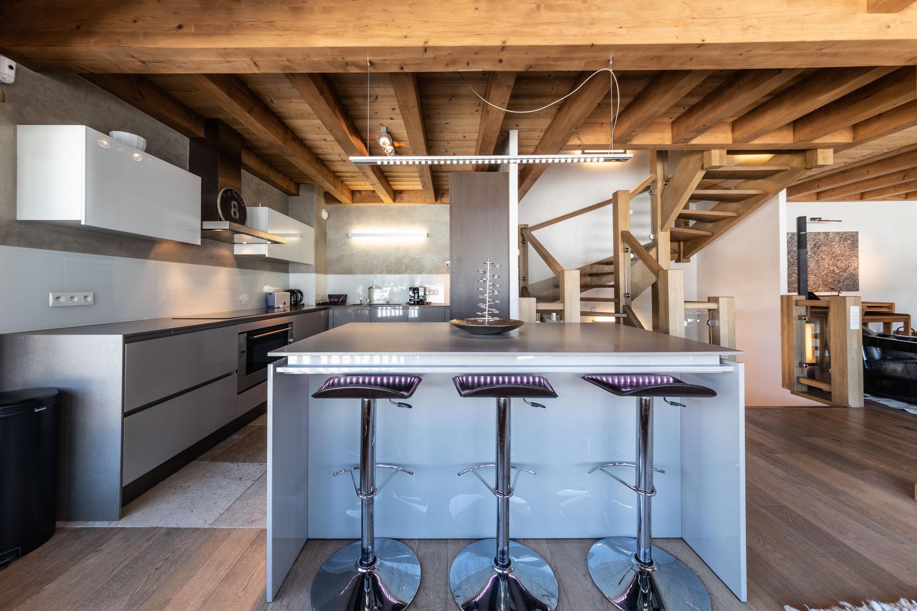 Omaroo 1 Open Plan Kitchen