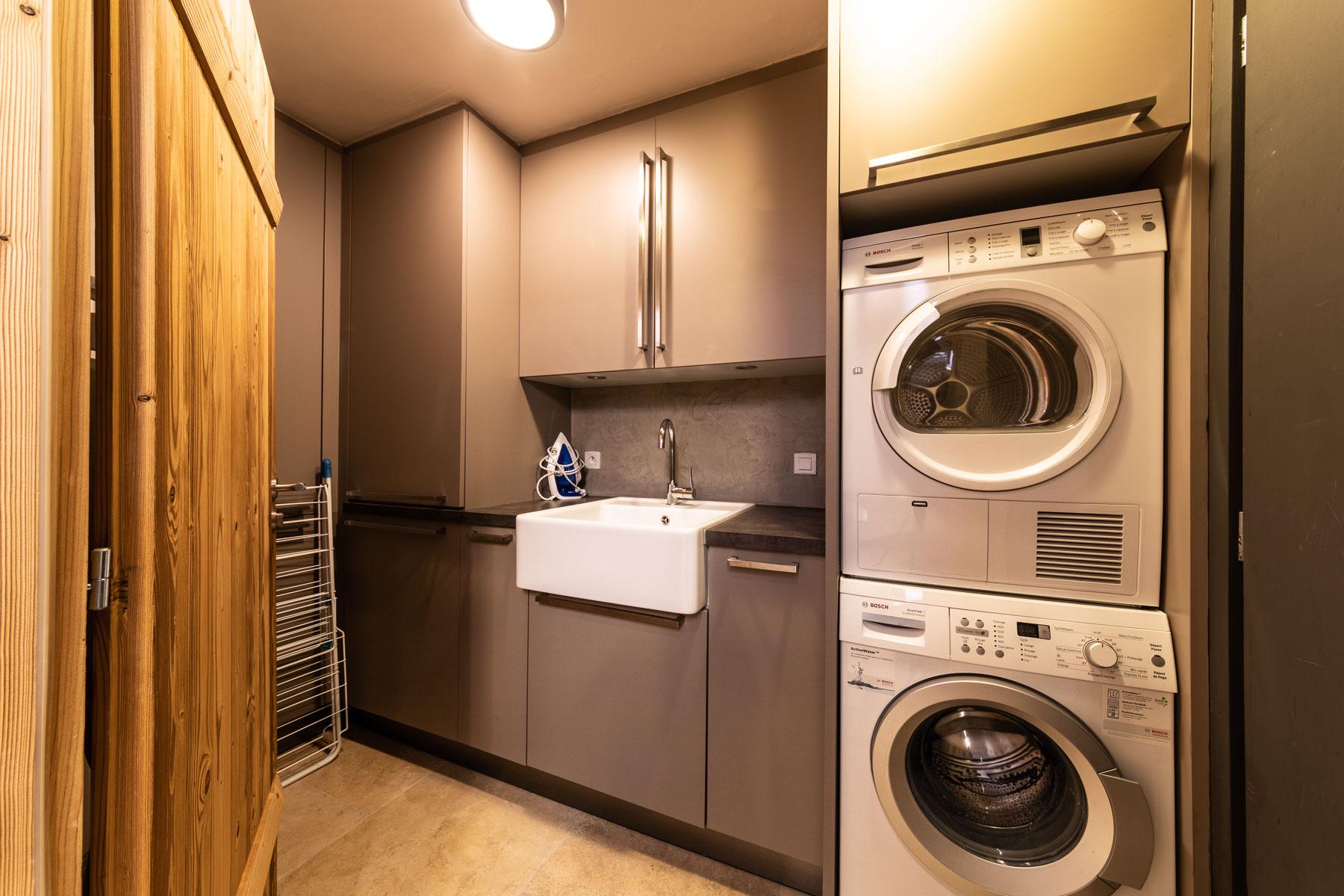 Omaroo 1 Laundry Room