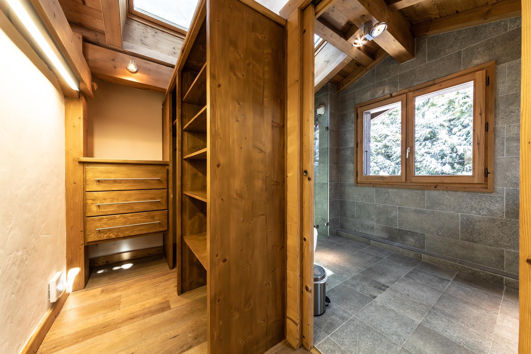 Omaroo 1 Dressing Room Shower Room