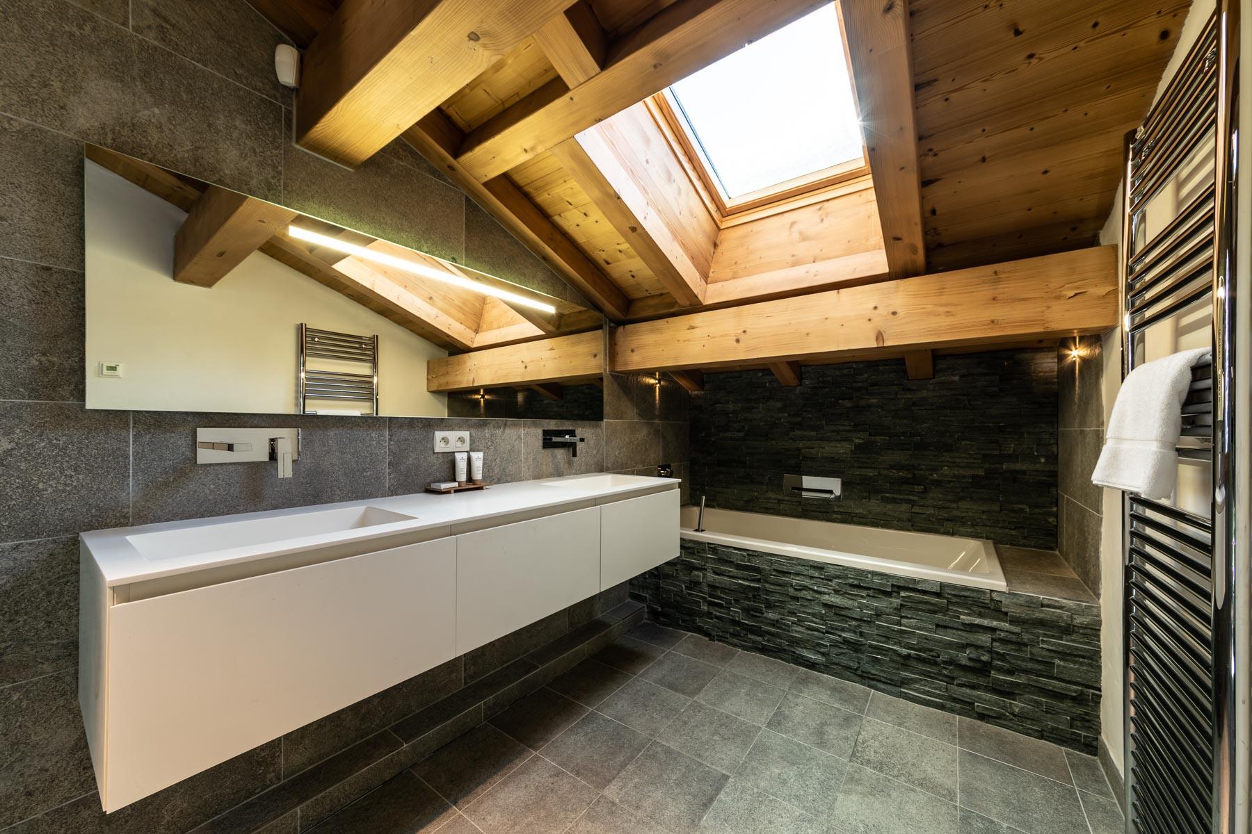 Omaroo 1 Bathroom en-suite