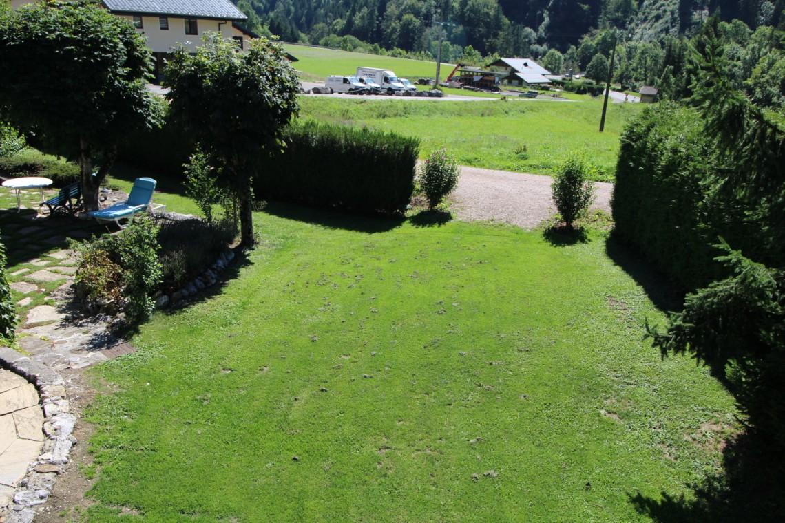 Bas Thex 735 Grassed garden