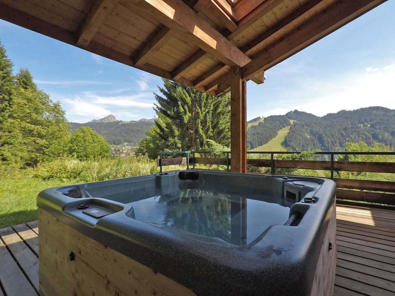 Villaz 737 Chalet Hot Tub