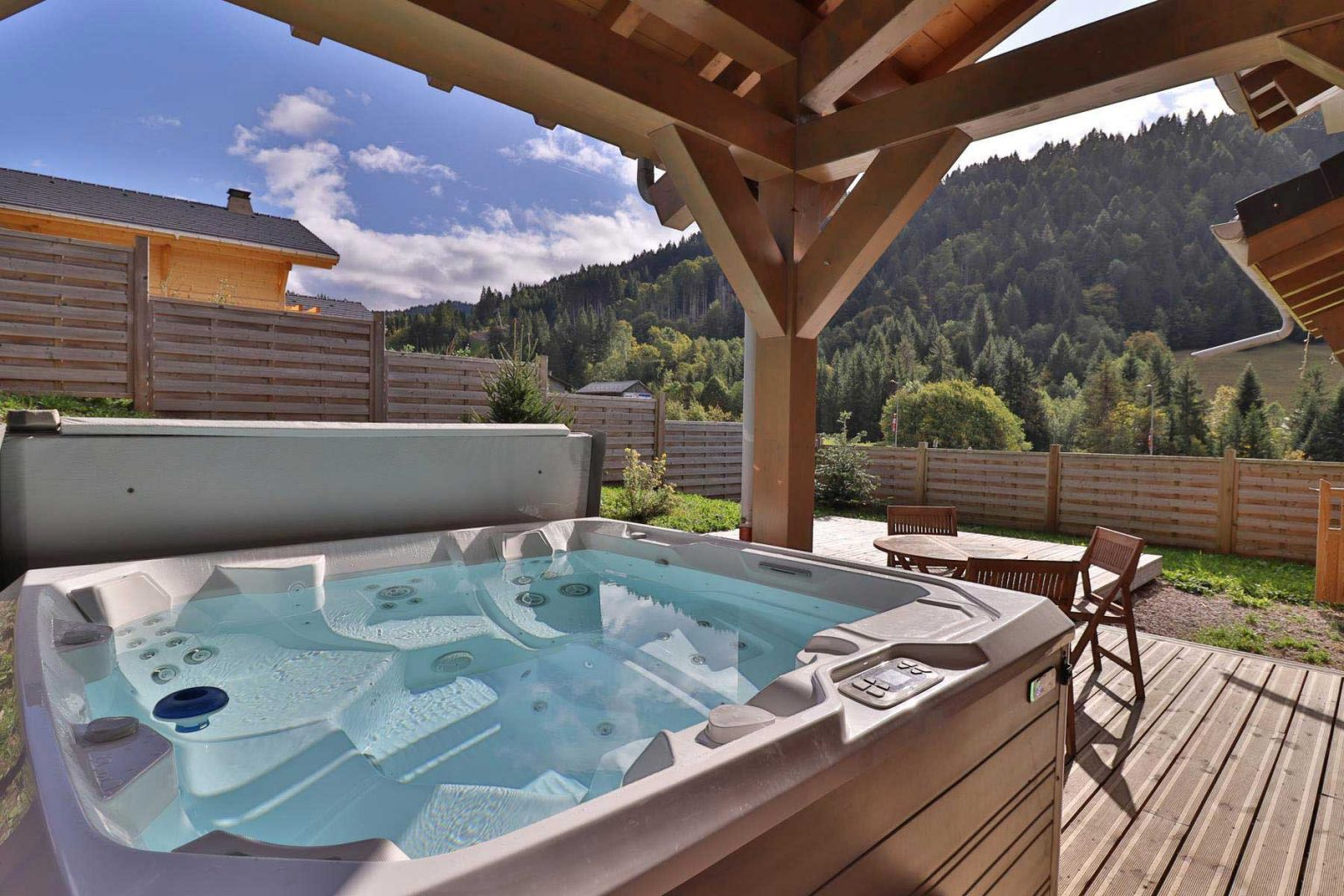 Perrieres chalet 758 Hot Tub