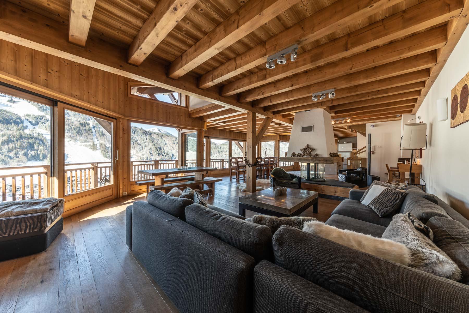 wooden-lounge-alpine-view