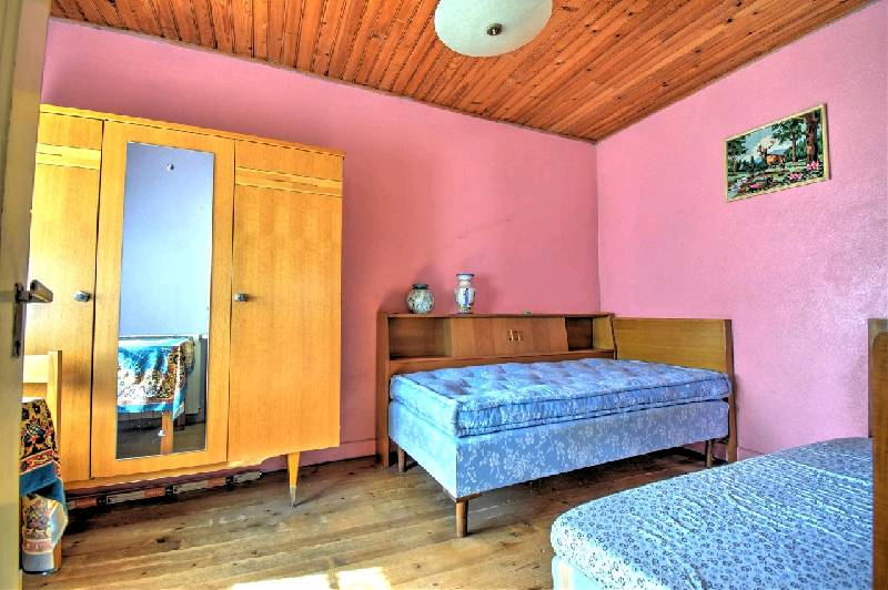 Chalet E1232 Twin Bedroom