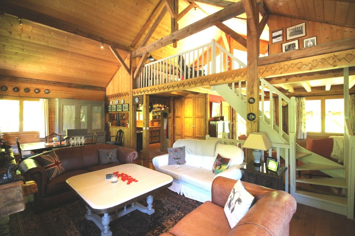 Chalet Wisteria Living Area