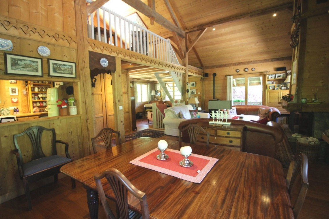 Chalet Wisteria Dining Room