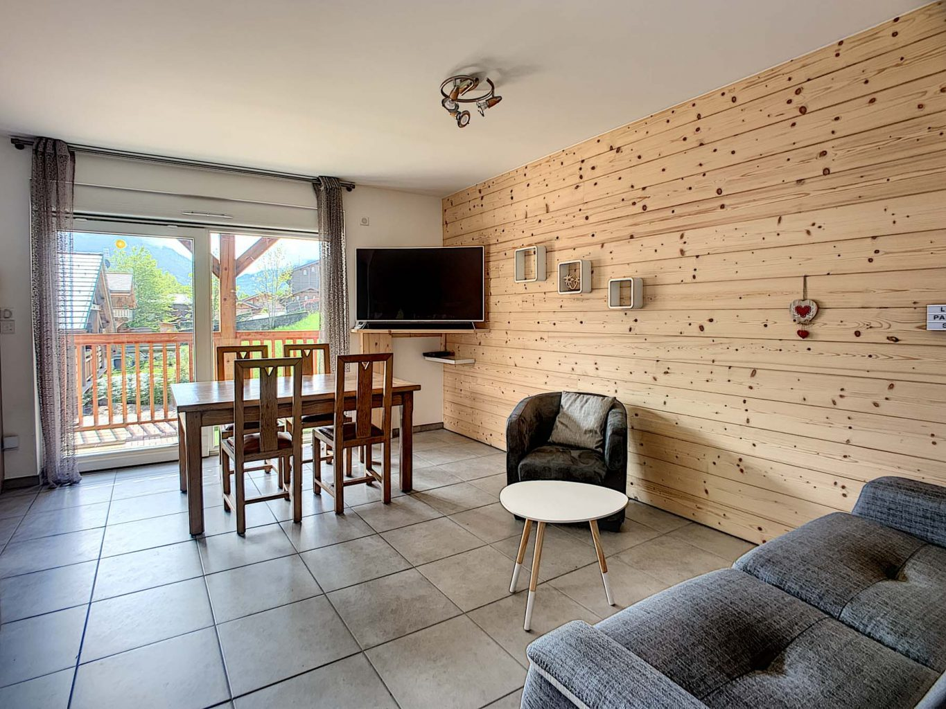 Morzine PDLP Appt 1050 Living Area