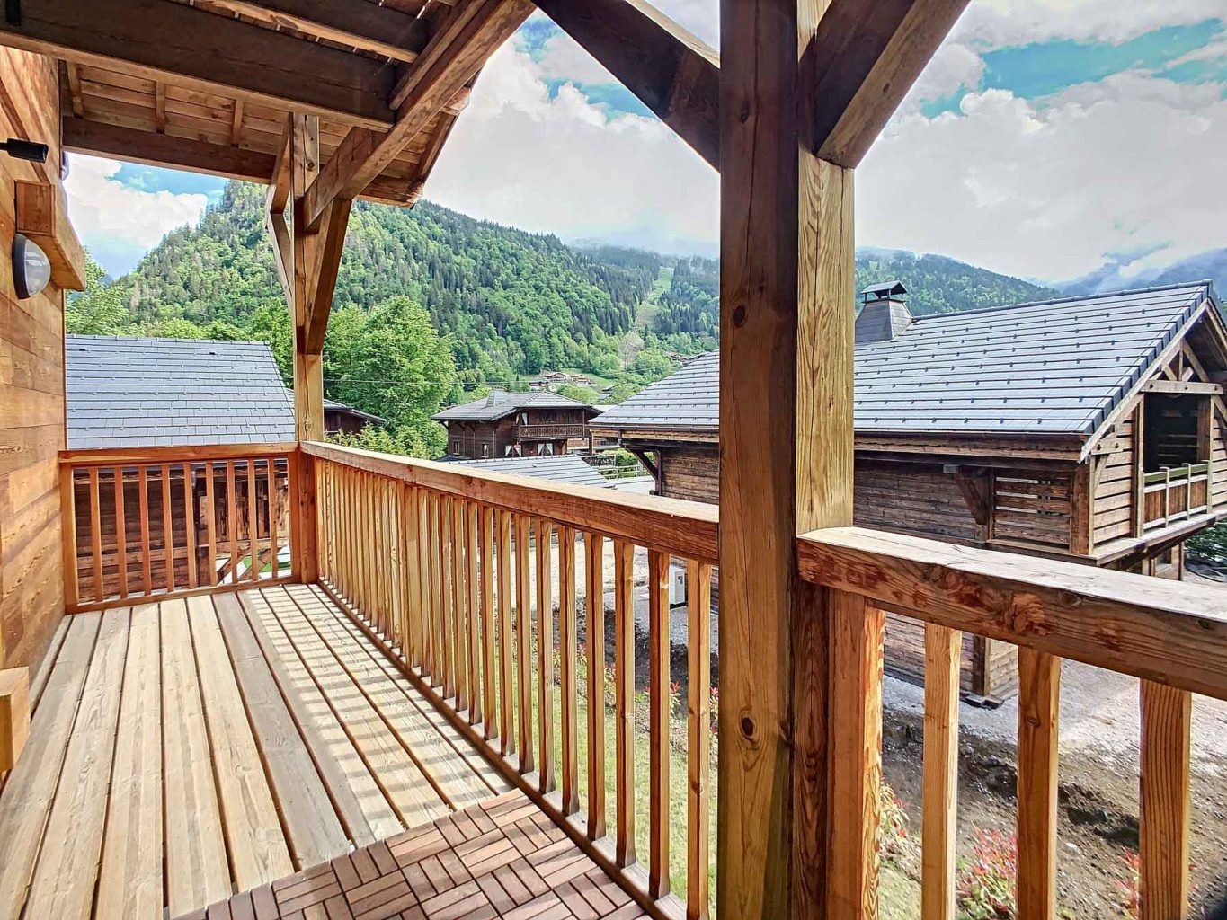 Morzine PDLP Appt 1050 Covered Balcony