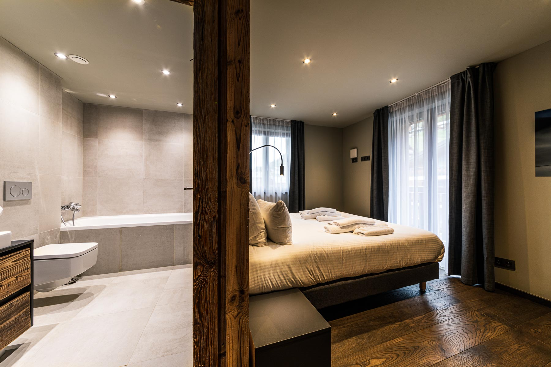 Chalet Moulins 3 En Suite Bedroom