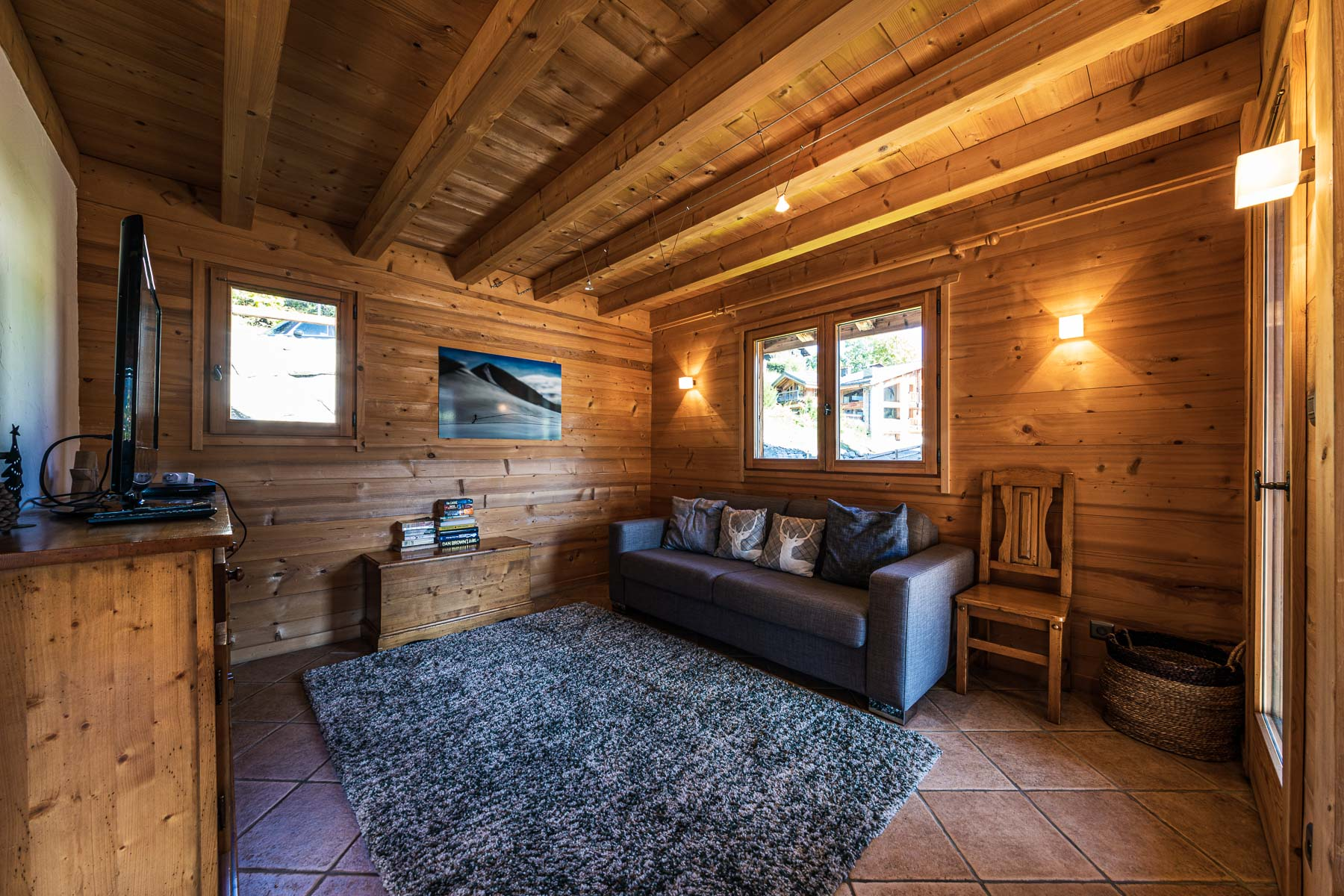 Chalet Leonie TV Room