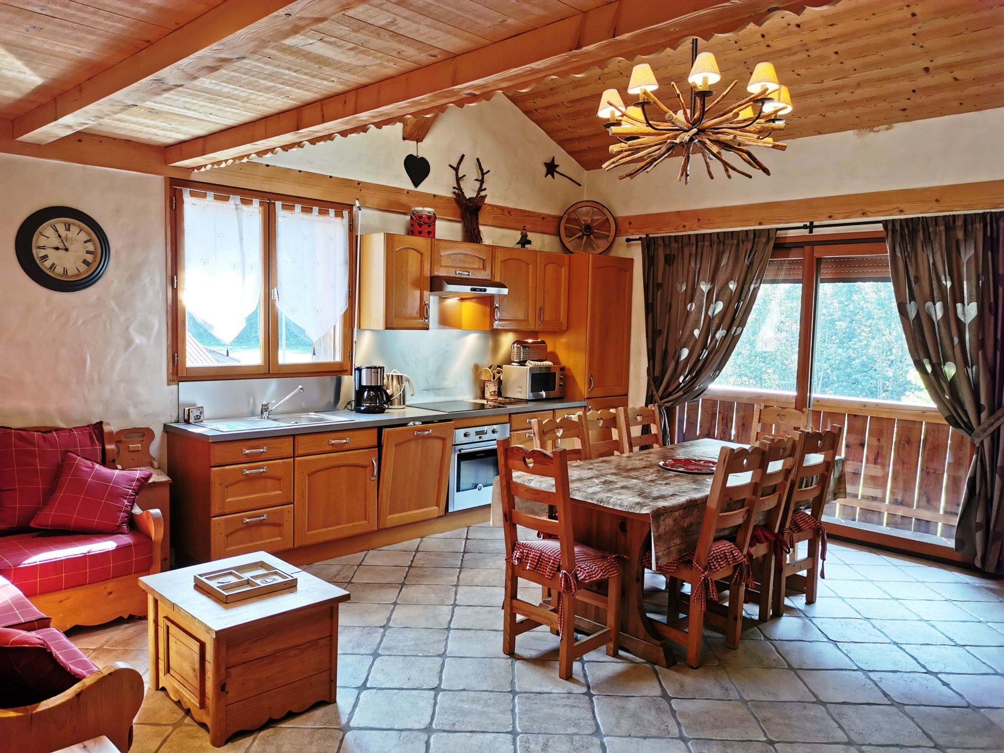 Perrieres Farm Apartment 1392 Living Area