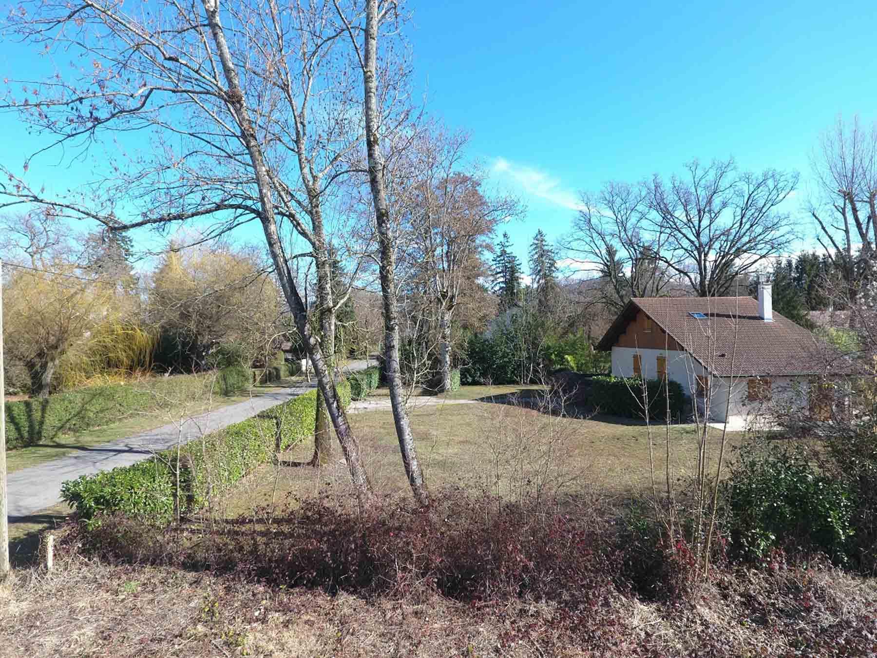 Domaine de coudree 282WJ neighbouring houses