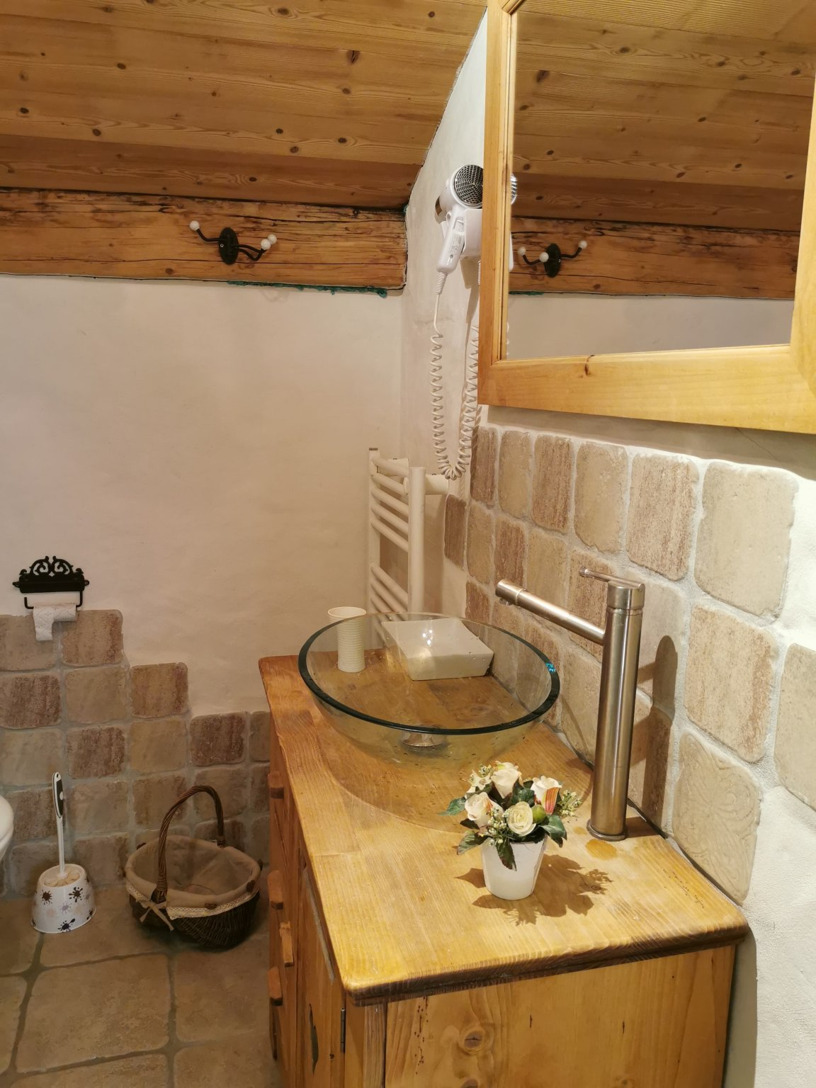 Perrieres Farm Apartment 1392 Bathroom