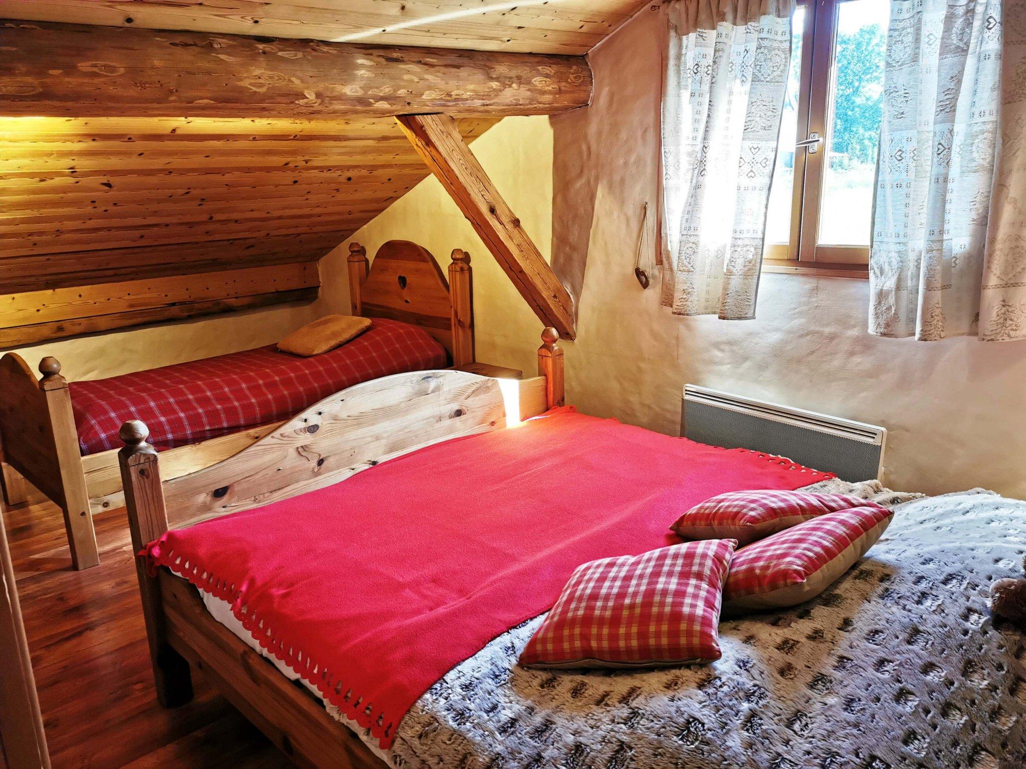 Perrieres Farm Apartment 1392 Attic Bedroom
