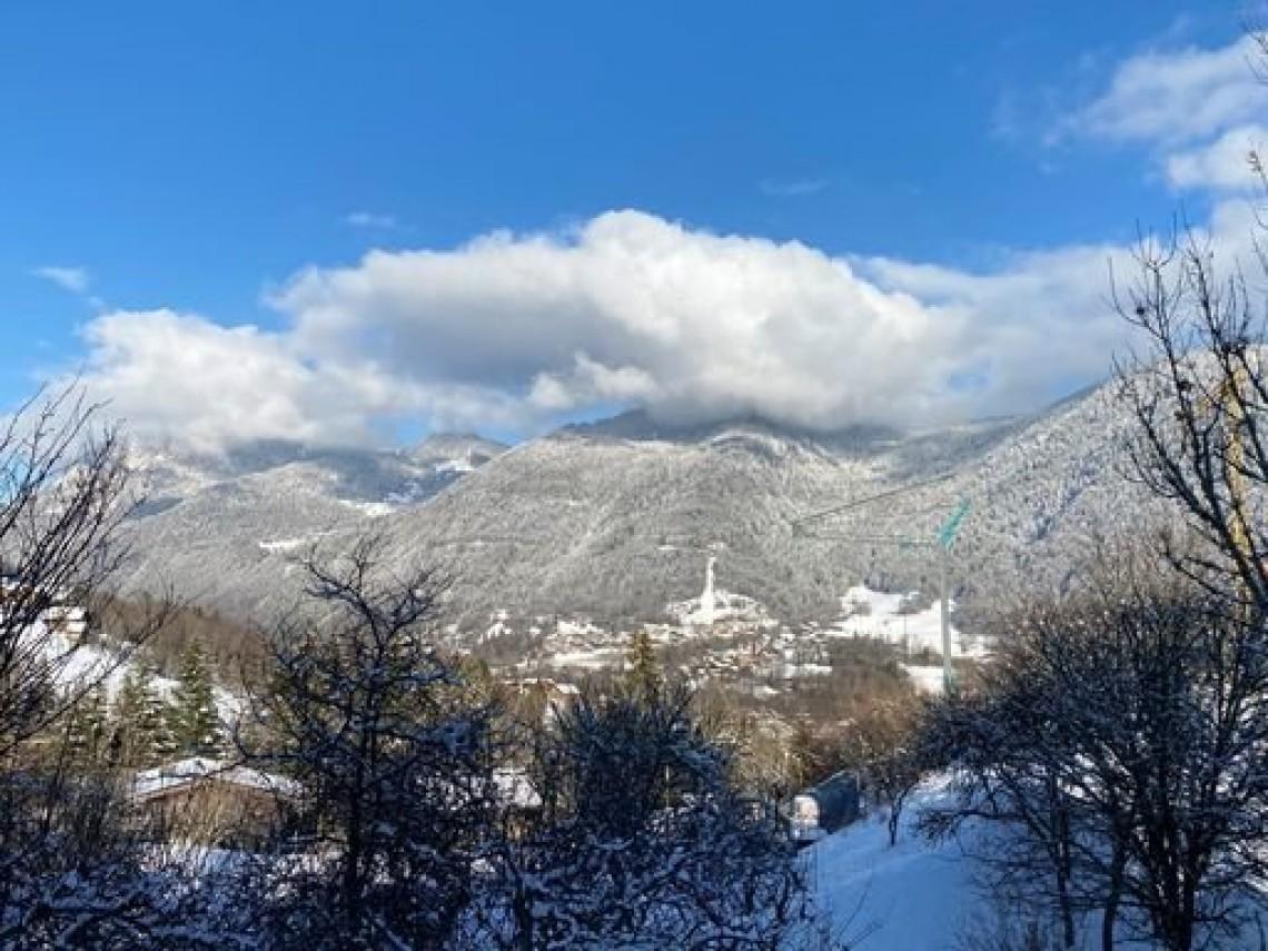 Seytroux House 958 Snow View
