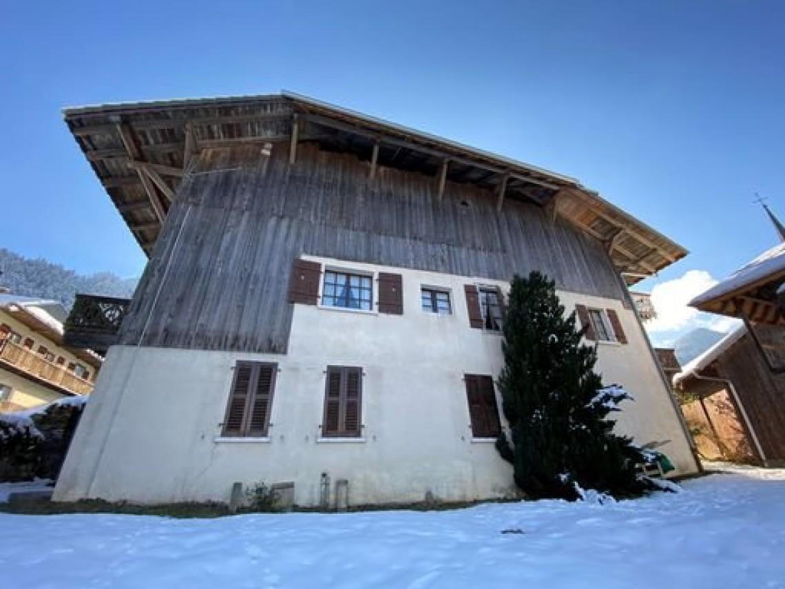 Seytroux House 958 Facade