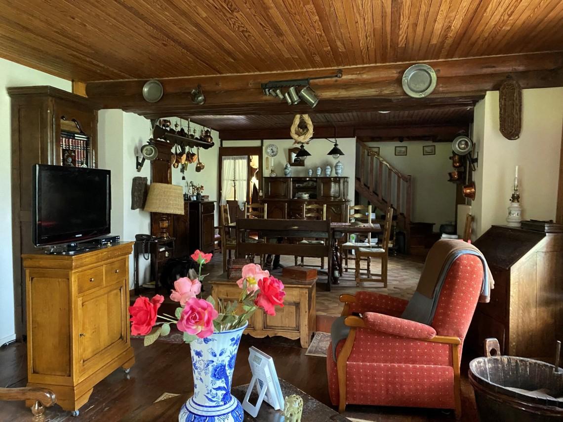 Seytroux House 958 Living Room