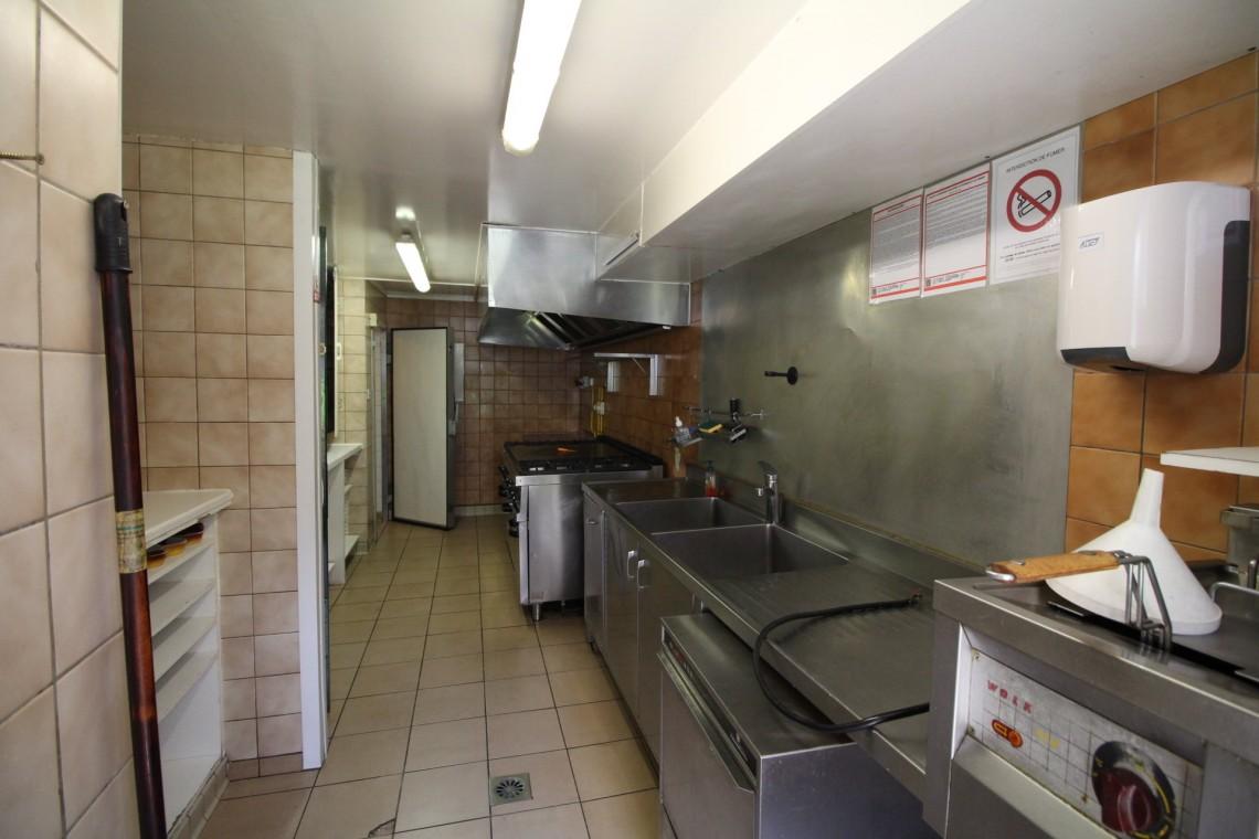 Avalanche Bar Kitchen