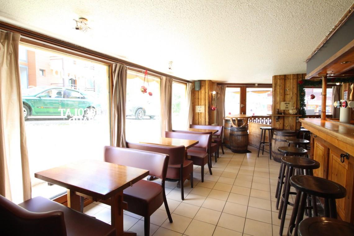 Avalanche Bar Restaurant
