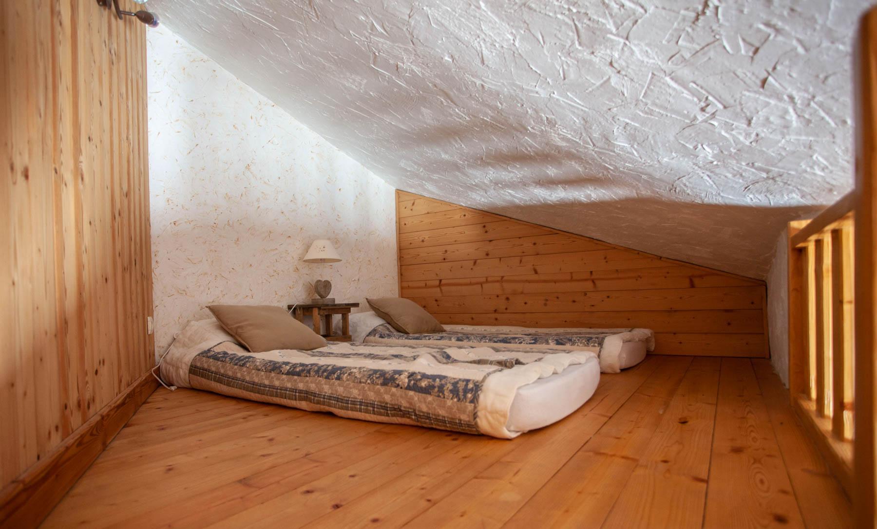 Avoriaz Appt 1954 Attic bedroom