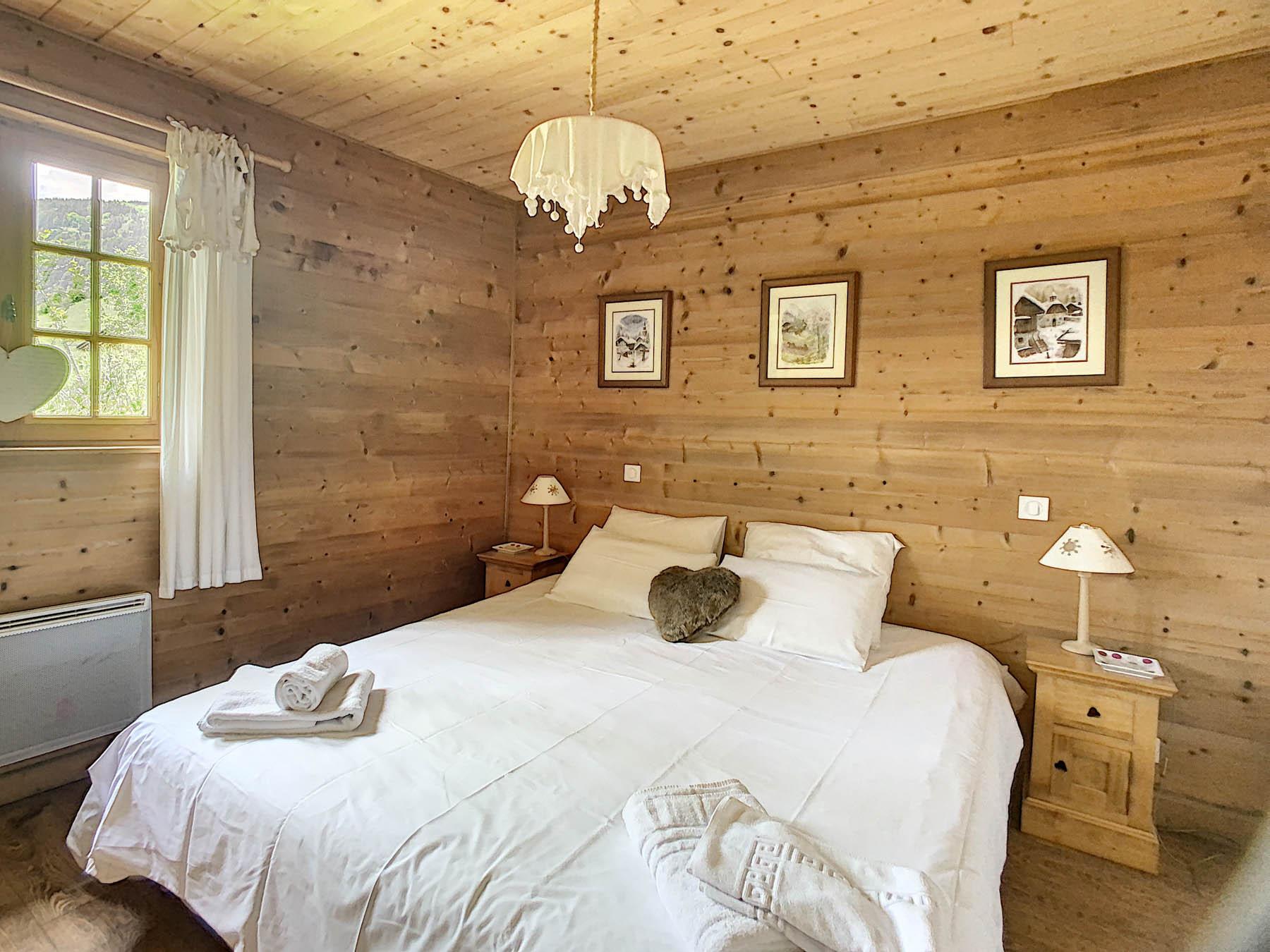 Mernaz 1160 Double Bedroom