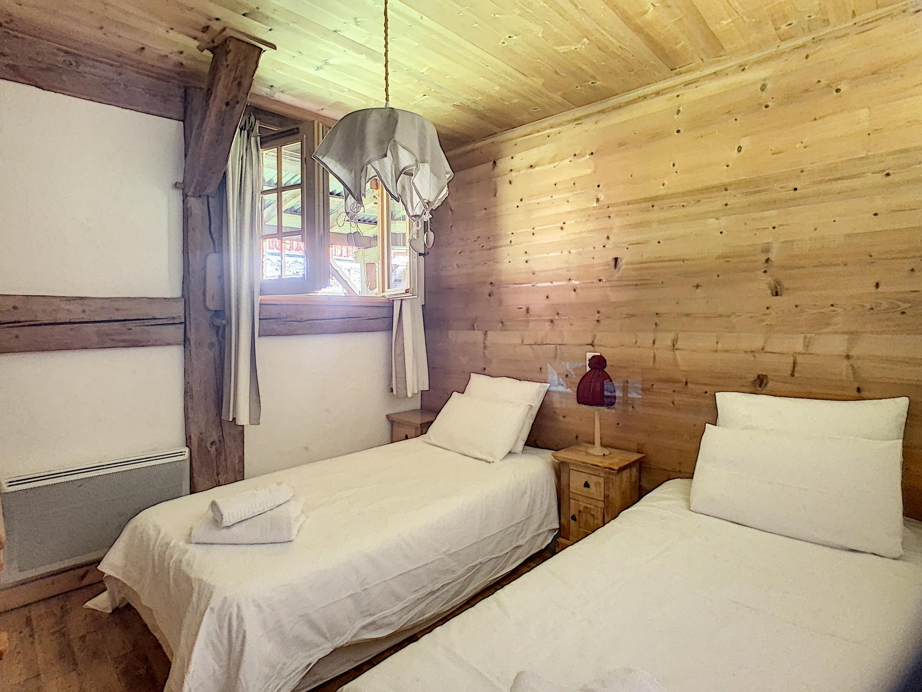 Mernaz 1160 Twin Bedroom