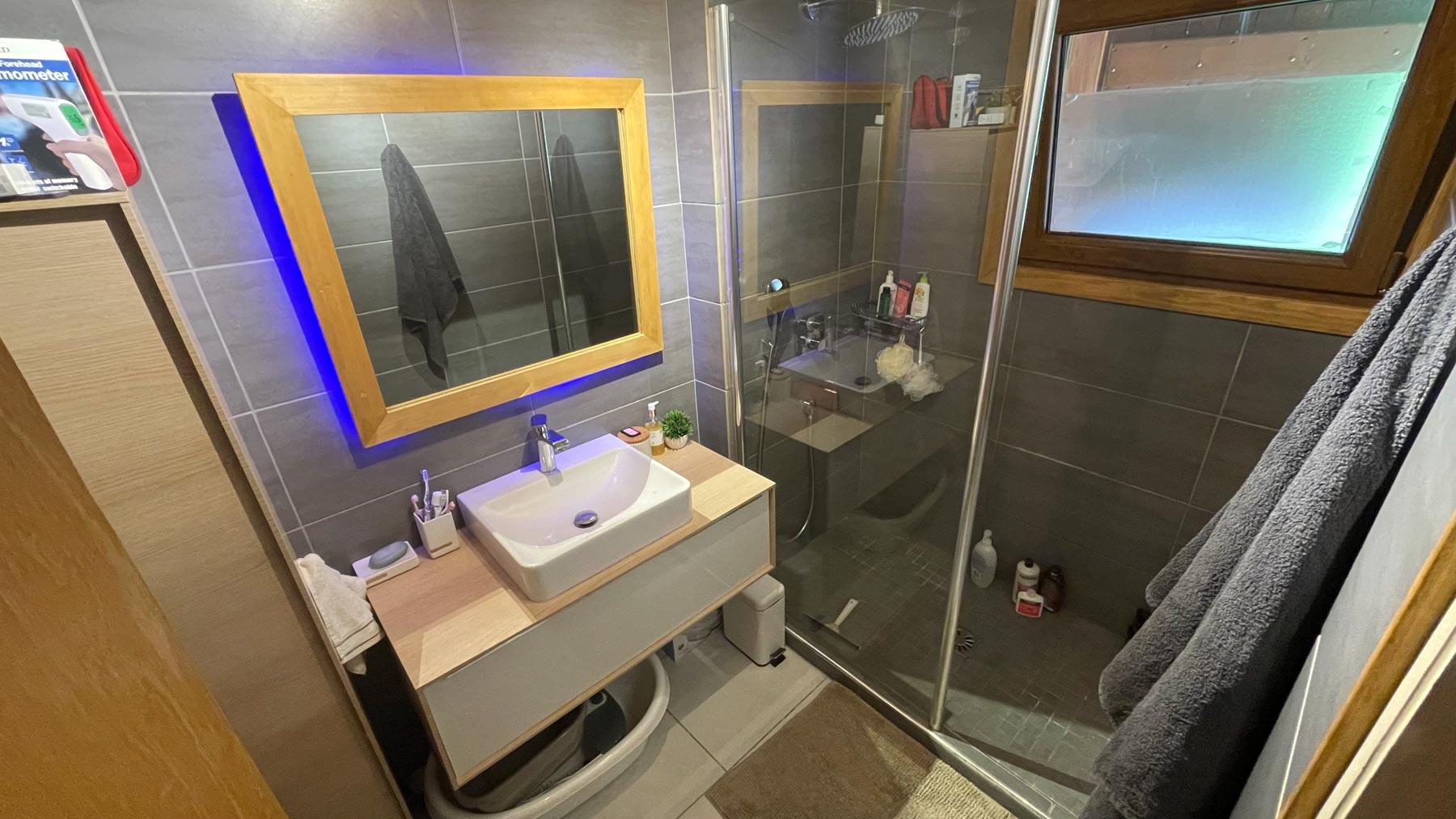 Putheys Duplex Shower Room