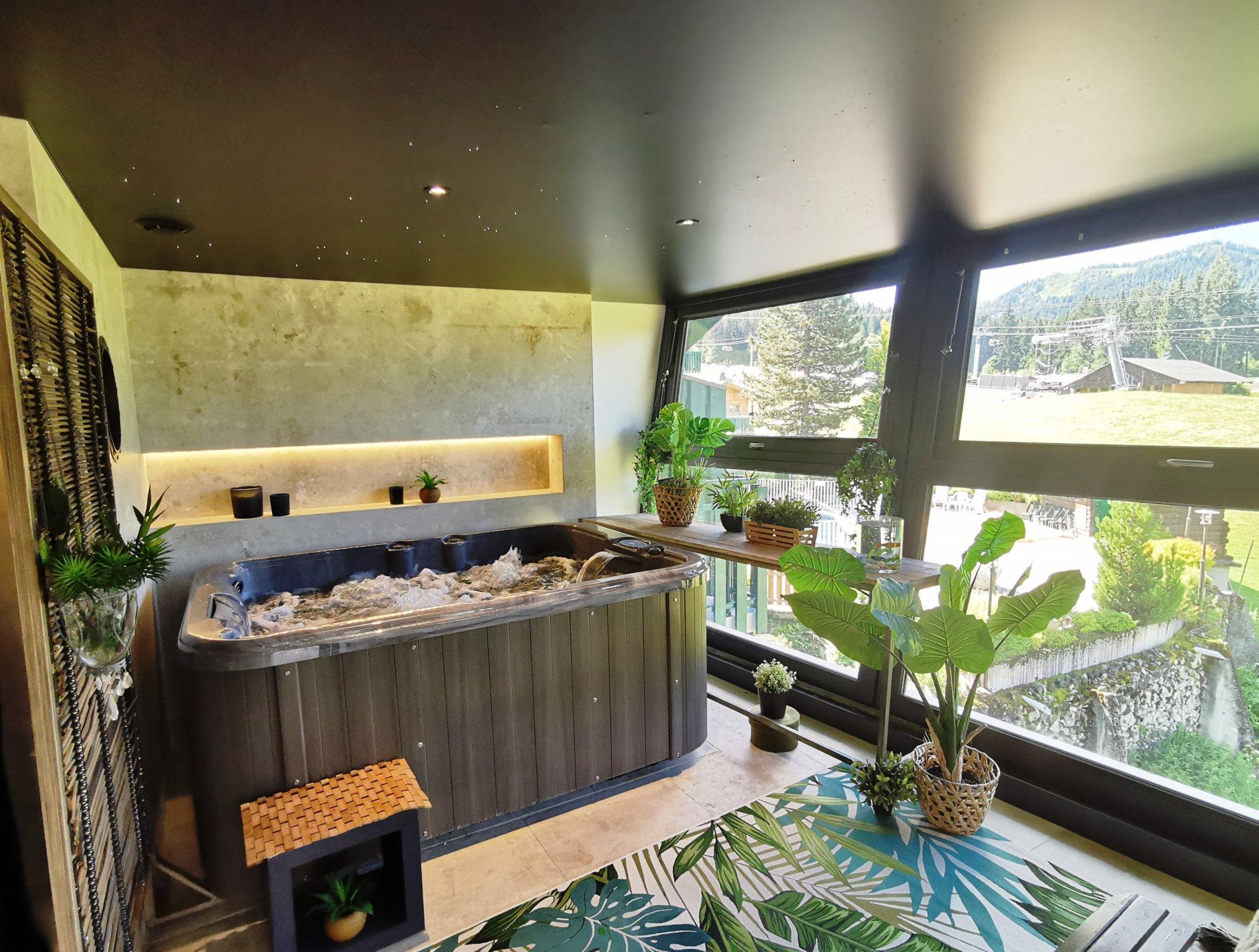 Grizzly Duplex Hot Tub
