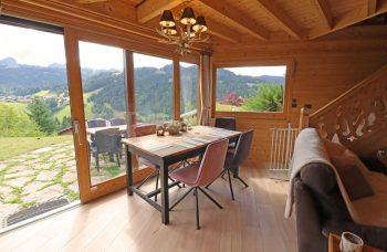 Cornuts ski chalet dining area