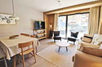 21 RDFN Appt Lounge