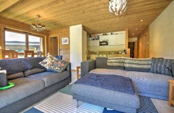 Elegante Appt Living Room