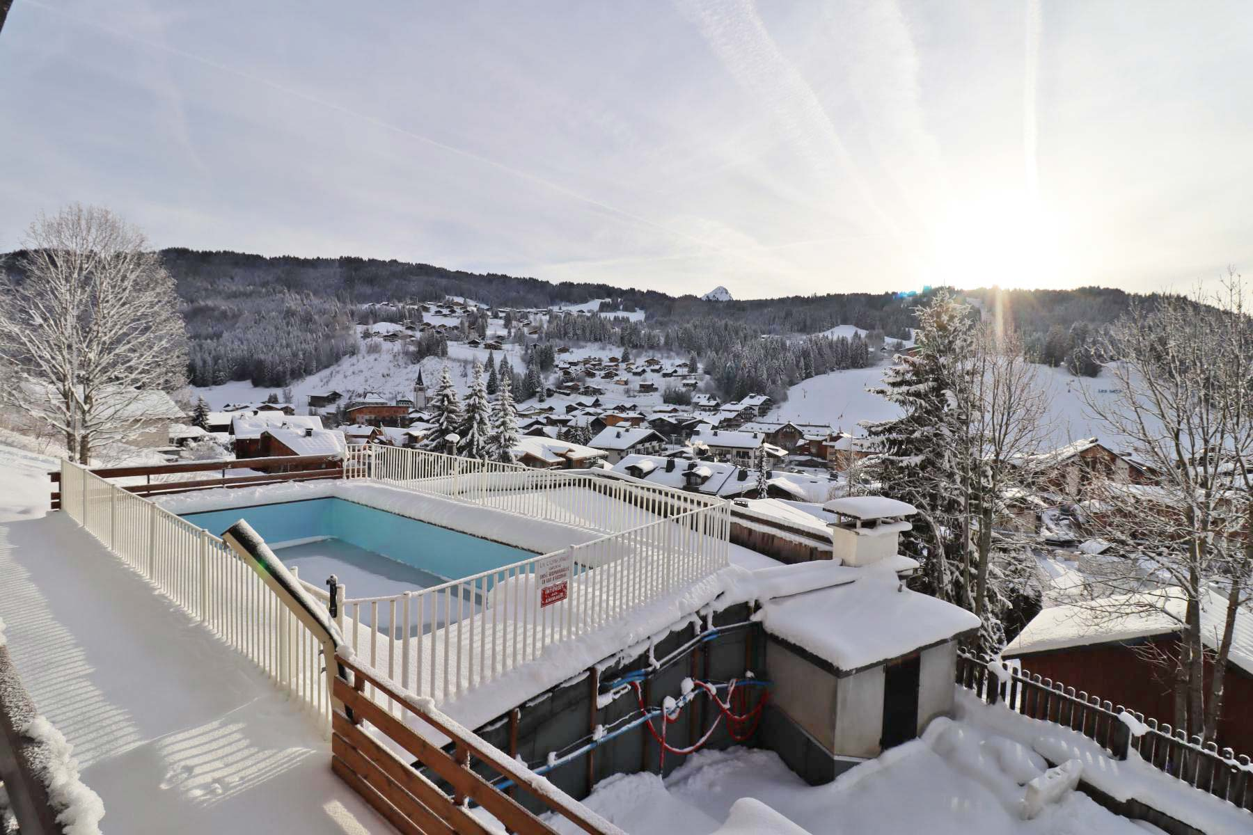 Studio appt 822 Pool in winter