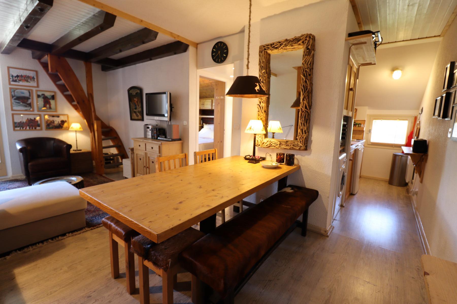 Pameo 4 Dining Area